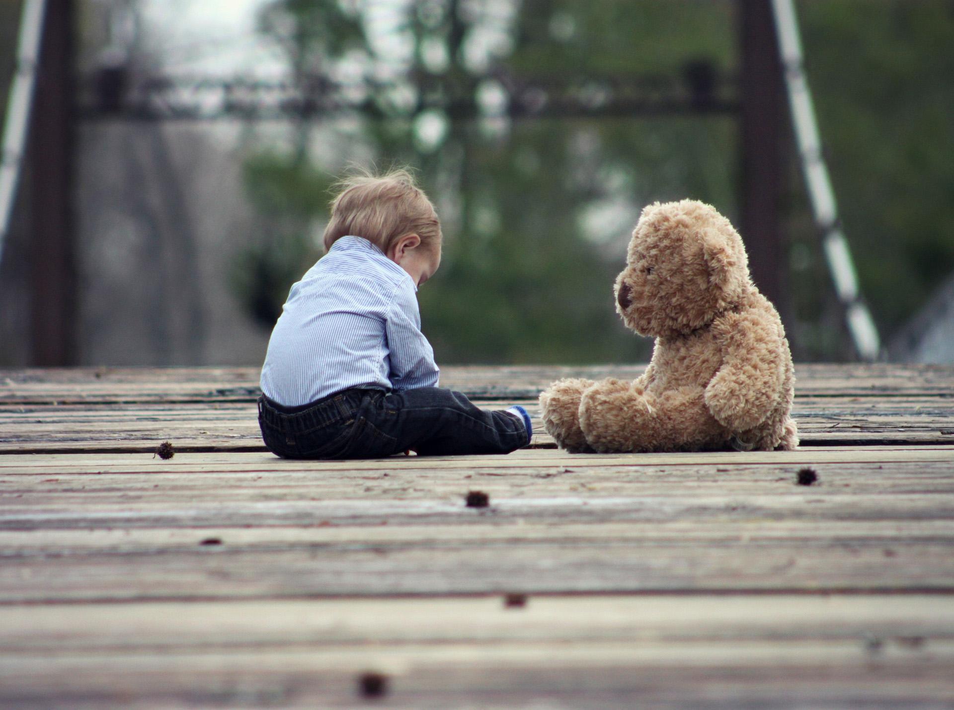 kind met een beer
